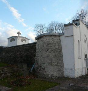 Jazlowiec-budynek-krypt